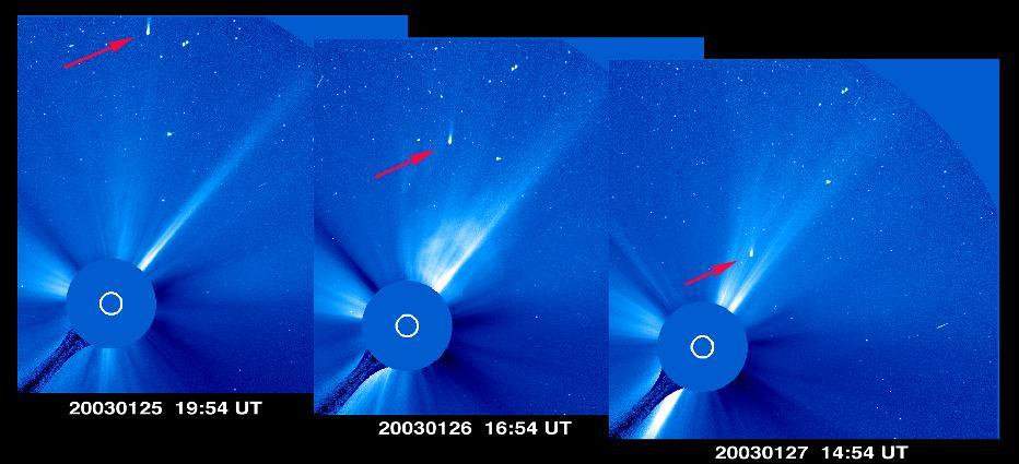 C 2002 X5 (Kudo-Fujikawa) na snímku sondy SOHO
