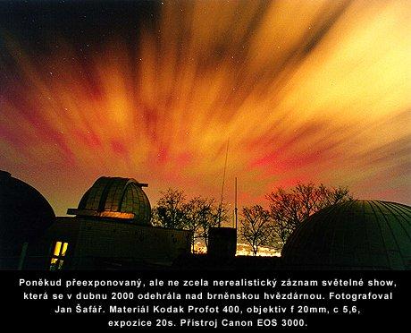 http://www.astro.cz/_data/images/news/2003/10/31/polarni_zare_2.jpg