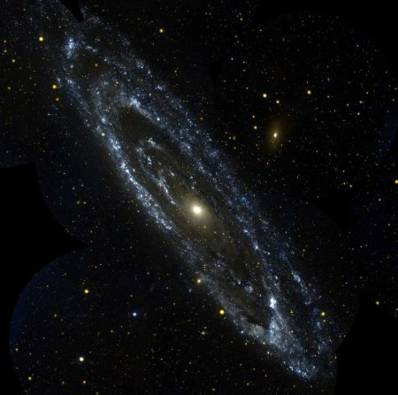 http://www.astro.cz/_data/images/news/2003/12/19/M31-galex.jpg