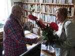 Eva Marková předává kytici jménem ČAS