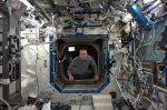 Krteček s Drew Feustelem na Mezinárodní vesmírné stanici (ISS)