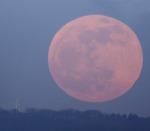 Částečné zatmění Měsíce. Autor: Zdeněk Kolomazník, Božena Pospíšilová
