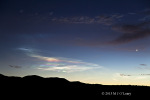 Duhové mraky po stratu rakety Pegasus XL. Autor: Mike OLeary.