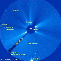 Snímek LASCO C3 z 16. 8. 2015 s popisky Autor: SOHO/LASCO (ESA & NASA)