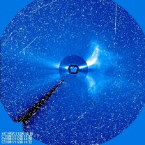 Snímek koronografu po silné erupci 6. 11. 1997 Autor: SOHO/LASCO (ESA & NASA)