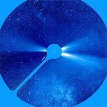 Kometa a Mléčná dráha na snímku koronografu SOHO LASCO C3 23. 12. 1996 Autor: SOHO/LASCO (ESA & NASA)