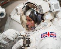 Tim Peake během pozemních zkoušek ve skafandru Autor: ESA