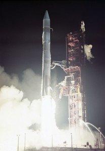 Atlas SLV 3D se stupněm Centaur startuje se sondou Mariner 10 Autor: NASA