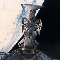 Vypuštění sondy Magellan z nákladového prostoru raketoplánu Atlantis Autor: NASA
