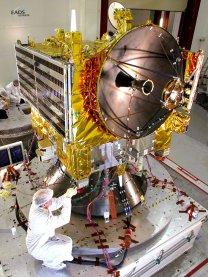 Venus Express při přípravách na vibrační testy Autor: ESA