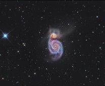 M 51, Vírová galaxie v souhvězdí Honících psů Autor: Peter Jurista