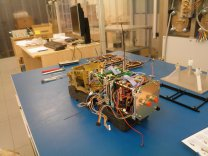 Montáž družice VZLUSat-1 Autor: VZLÚ