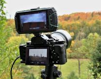 Fotoaparát s držákem a mobilním telefonem pro snadné určení směru a výšky. Použitá aplikace: Dioptra Autor: Daniel Ščerba