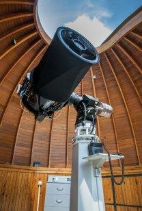Dalekohled SHOT v jihovýchodní kopuli teplické hvězdárny určená pro sledování satelitů a kosmického smetí. Autor: P. Kuranda