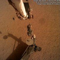 Uvolnění přístroje HP3. Sol 83. InSight Autor: NASA/JPL-Caltech