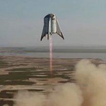 Starship Hopper při testovacím letu do 150m výšky Autor: SpaceX