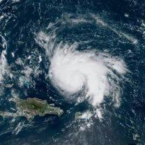 Hurikán Dorian nad ostrovy Portoriko a Hispaniolaz družice GOES-16 Autor: NOAA/NESDIS/STAR