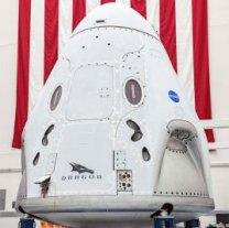 Loď CrewDragon pro misi DM2 na Floridě Autor: NASA
