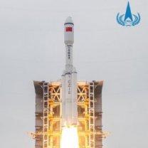 Raketa CZ-8 startuje ke svému prvnímu úspěšnému letu
