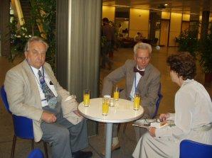 Zleva M. Plavec, P. Harmanec a Z. Plavcova na GA IAU 2006 v Praze.