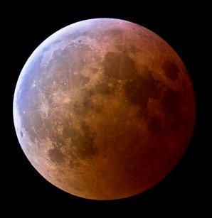 Velmi výrazný tyrkysový jev při zatmění Měsíce v březnu roku 2007. Autor: Jens Hackman