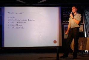 Petr Sobotka přednáší o zákulisí popularizace. Autor: Martin Mašek