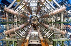 LHC v CERNu. Autor: Jaroslav Vyskočil