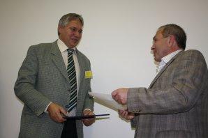 Předávání ceny Littera astronomica 2010: Petr Kulhánek a knihkupec Jan Kanzelsberger Autor: Miloš Podařil