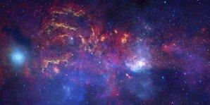 Velké observatoře zkoumají střed Galaxie