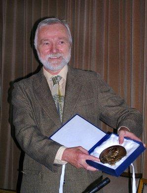 Ivan Hubený přebírá Nušlovu cenu za rok 2008