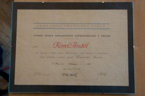 Diplom k udělení Nušlovy ceny Karlu Andělovi Autor: Archiv astro.cz