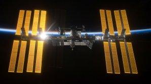 Mezinárodní kosmická stanice ISS na sklonku dne. Autor: NASA.