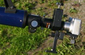 Fotografování pomocí afokálního držáku. Autor: Klub astronomů Liberecka