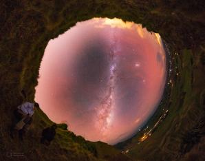 Snímek Portál do oblohy na Novém Zélandu Autor: Petr Horálek
