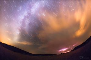 Pohyb hvězd při příchodu bouře Autor: Petr Horálek
