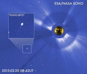 Kometa C/2015 D1 (SOHO) v koronografu sondy SOHO Autor: SOHO, NASA/ESA.