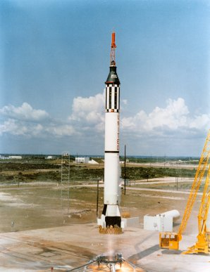 První pilotovaný suborbitální let – Mercury-Redstone 3 Autor: http://cs.wikipedia.org