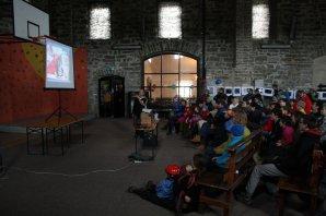 Přednáška v bývalé sklárně na Jizerce v rámci Astronomického dne Autor: Martin Mašek