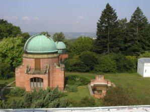 Centrální plošina a historické observatoře na Astronomickém ústavu v Ondřejově. Autor: AsÚ AV ČR