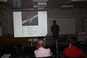 Michael Kueppers (ESAC, Španělsko) přednáší o misi Rosetta ke kometě 67P Autor: Martin Mašek