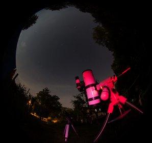Oba dalekohledy snímají vybraný kus oblohy Autor: Martin Mašek