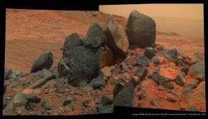 Kameny v lokalitě Lindbergh Mound Autor: NASA/JPL-Cornell/Olivier de Goursac