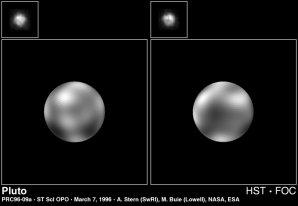 Světlé skvrny na Plutu z kamery FOC na Hubbleově teleskopu. Autor: NASA / HST