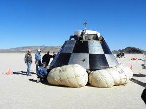 Prototyp lodi CST-100 během testování Autor: Wikipedia