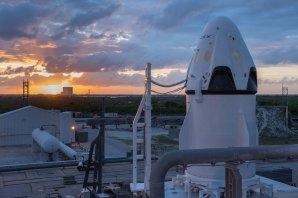 Loď Dragon před zkouškou Pad Abort Test počátkem května na Floridě Autor: SpaceX