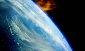 Unikátní momentka: plameny, signalizující vstup do atmosféry, zachytila kamera na palubě Orionu v prosinci 2014 Autor: NASA