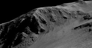Velmi podobný model z dat MRO, rekonstruující kanálky tentokrát ve stěně kráteru Horowitz. Stoky mají délku cca fotbalového hřiště. Autor: NASA