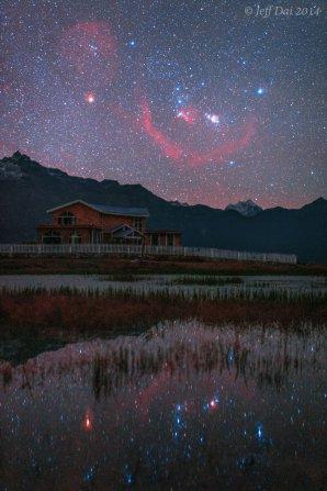 Orion nad a pod Tibetem. Autor: Jeff Dai.