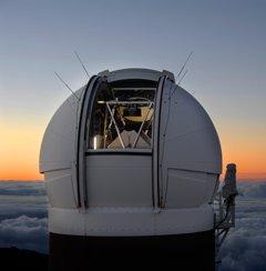 Dalekohled Panstarrs na Havaji před východem slunce. Autor: Rob Ratkowski