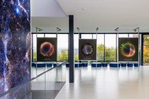 Z výstavy Petra Horálka s názvem Pohledy do nebe. Autor: Pavel Karas, Hvězdárna a Planetárium Brno.